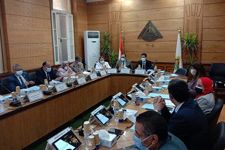 الجيزاوى يرأس اجتماع مجلس جامعة بنها
