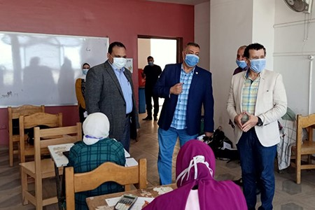 Prof. Tamer Samir inspects the Second Semester Exams at Faculty of Applied Arts
