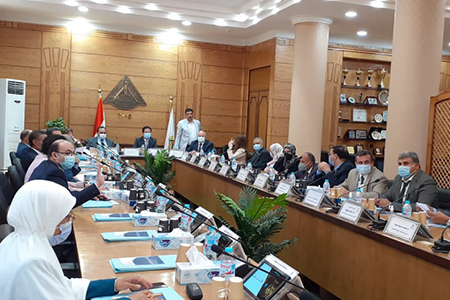 El Gizawy commends Academic and Administrative Leaders in Following up Exams