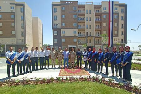 طلاب جامعة بنها يشاركون الرئيس السيسي افتتاح عددا من المشروعات السكنية بالمدن الجديدة