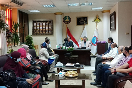El Gizawy visits Faculty of Medicine and supports the Faculty to get Accreditation