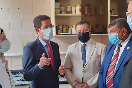 الجيزاوي يتابع خطة جامعة بنها لتطعيم منتسبيها بـ لقاح كورونا
