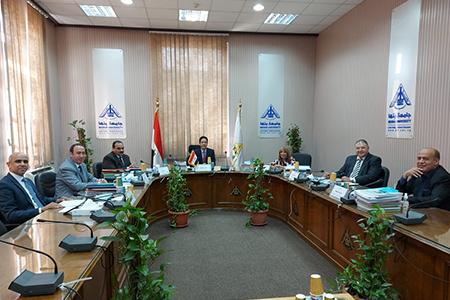 بلغ عددهم 20 متقدمًا: لجنة قيادات جامعة بنها تستقبل المتقدمين للوظائف القيادية